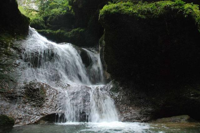 Орлиная скала водопад